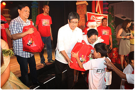PAGCOR and DZMM jointly celebrate their silver anniversary by sharing their blessings with indigent kids and