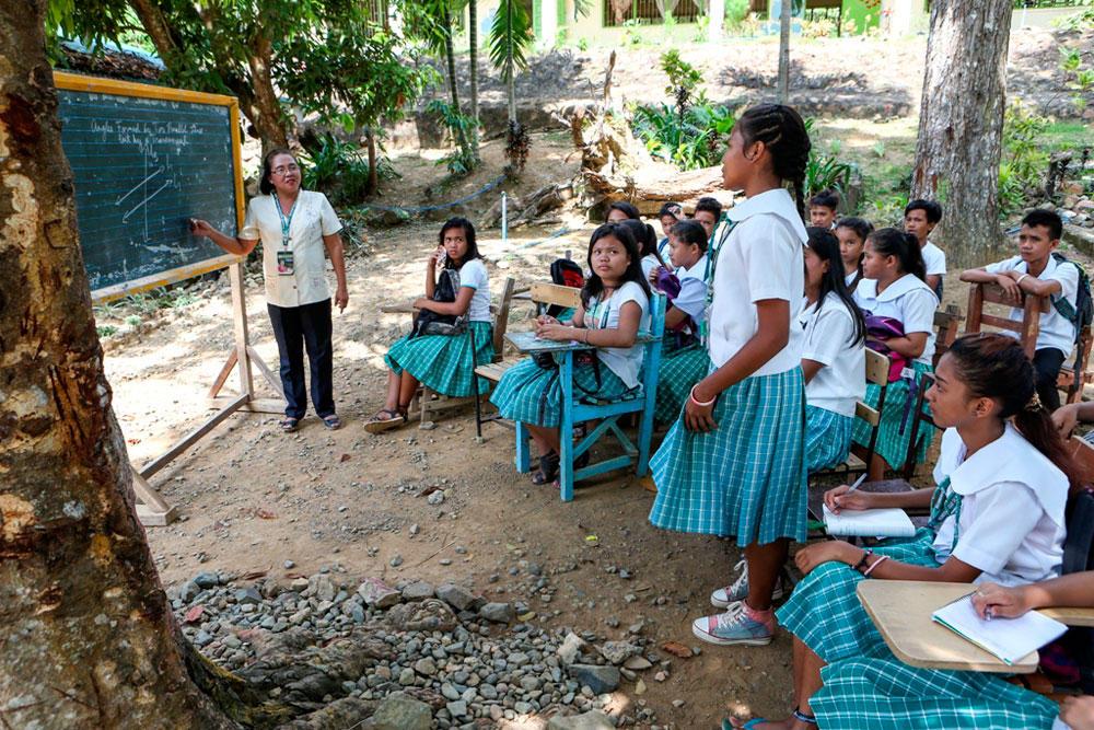 Iloilo public schools receive 63 classrooms from PAGCOR