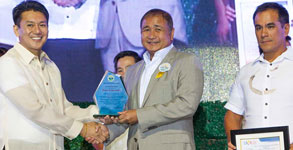 PAGCOR Chief hailed as �Adopted Son� of Imus City