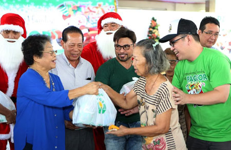PAGCOR spreads joy to senior citizens in Pampanga and Mandaluyong