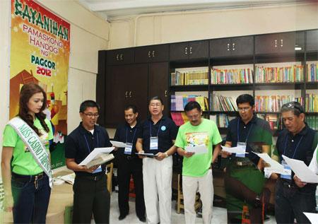 Pamaskong Handog 2012 - Day 20 (300 poor children under the care of Lingap Pangkabataan)