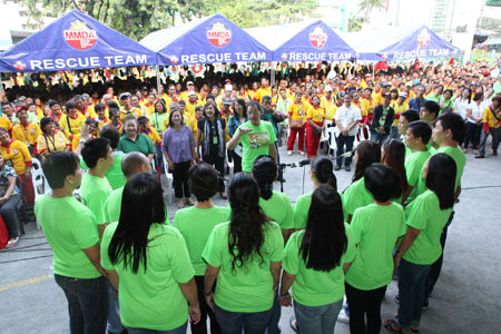 Pamaskong Handog 2012 - Day 20 (PAGCOR and MMDA give Metro Aides their first-ever grand Christmas party)