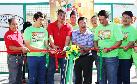 Pamaskong Handog 2012 - Day 20 (PAGCOR brings early Christmas joy to hundreds of relocated families in Pampanga)