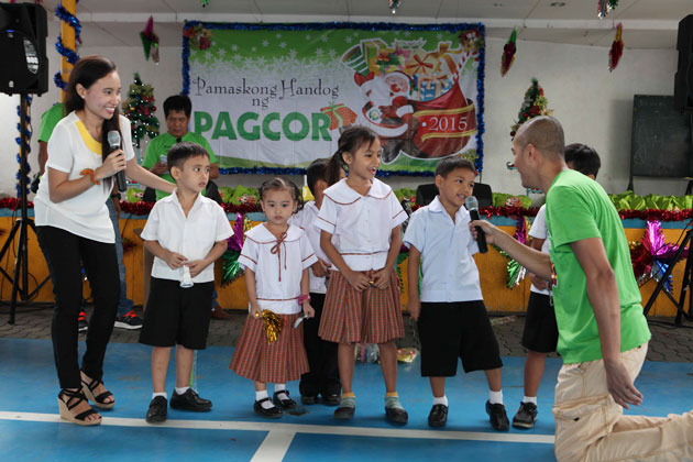 PAGCOR spreads yuletide cheer to impoverished kids in Muntinlupa