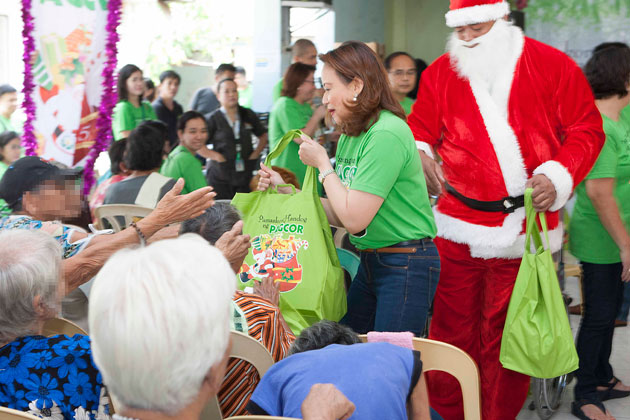 PAGCOR spreads love to abandoned elderly of GRACES-DSWD