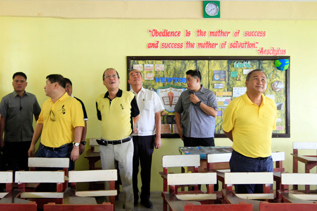 President Aquino inspects the PAGCOR-funded classrooms in Bulacan