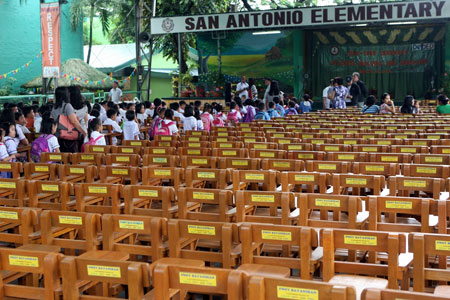 Public Elementary School in Quezon City receives new armchairs from