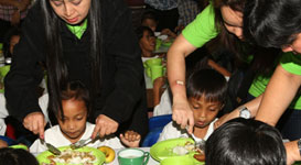 10,000 undernourished public school children benefit from PAGCOR�s feeding program